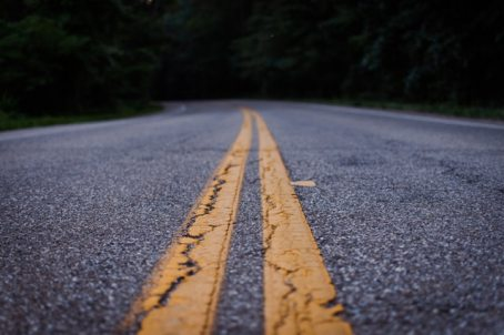 asphalt-bitumen-empty-road-1197095