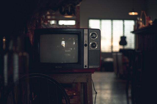 classic-crt-tv-device-2251206