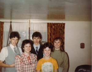 Mom, myself, Keith, Sandy, Tracy - Elm Street -early 1980's